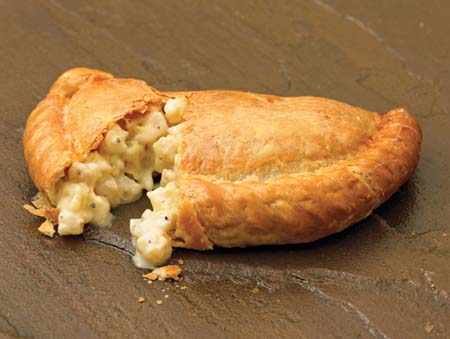 Crantock Bakery: Cheese & onion pasty