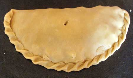 Click this photo for a movie about how to crimp a Cornish pasty